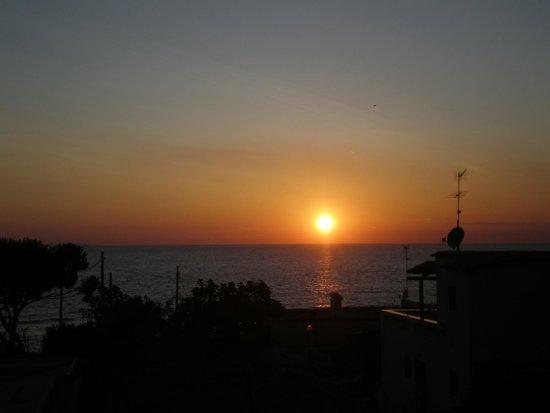 Villa Bianca : Il tramonto dalla terrazza dell'Hotel