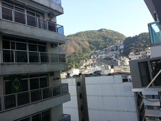 Quality Suítes Rio de Janeiro Botafogo: Vista lateral procurando o Pão de Açúcar