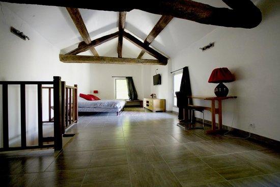 La Fête en Provence : Duplex chambre