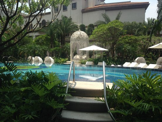 Mandarin Oriental, Taipei: Hot Weather Perfect for Dipping