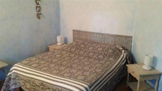 Auberge de Reillanne : Le lit