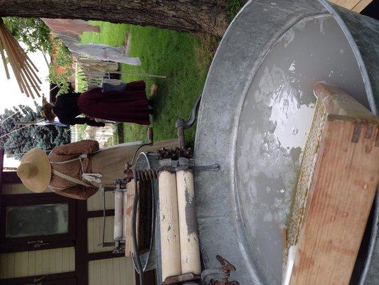 Centennial Village Museum : Wash day