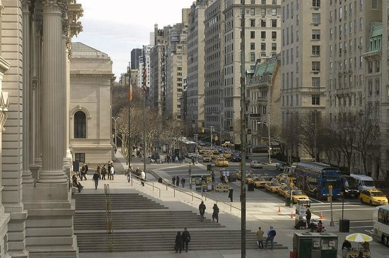 The section of the Fifth Avenue at the Metropolitan Museum of Art