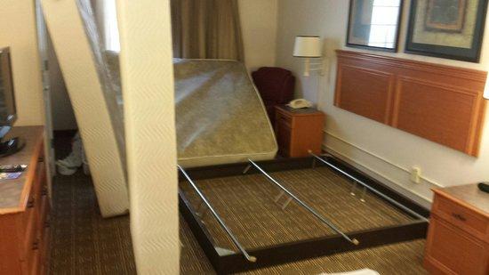 La Quinta Inn Lexington: I guess my rooms not quite ready?