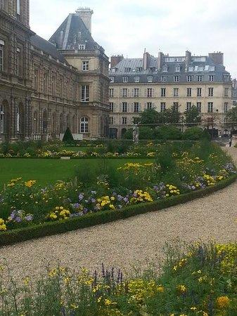 Jardin du Luxembourg : lateral da casa