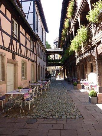 Hôtel Cour du Corbeau Strasbourg - MGallery Collection : edificio