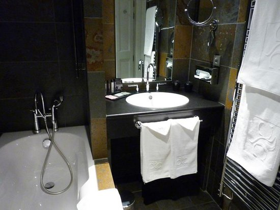 Hotel Cour du Corbeau Strasbourg - MGallery Collection: baño