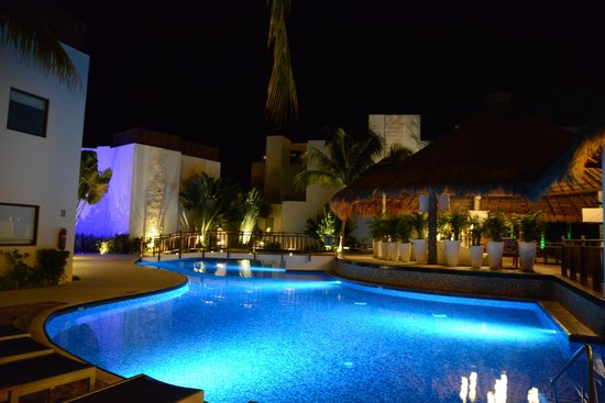 Azul Beach Resort Riviera Maya : Beautiful Azul Beach Hotel by Night