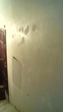 Hotel Sallustio : muro delle scale