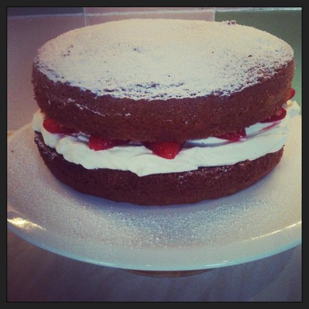 The Old Butcher's Cafe: Strawberry, cream and mint victoria sponge!