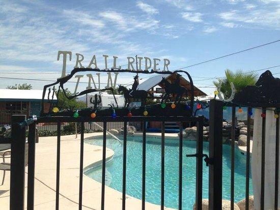 Trail Rider's Inn Motel: Small agreeable swimming pool