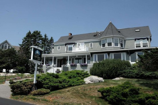 Cape Arundel Inn & Resort: The Inn