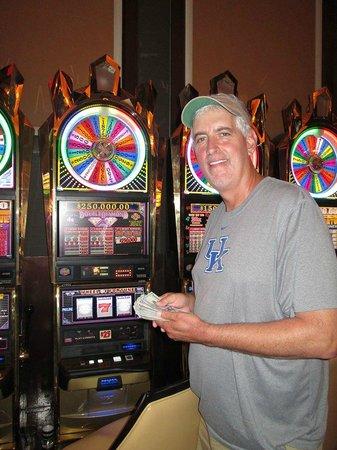 Horseshoe casino cincinnati poker room phone number
