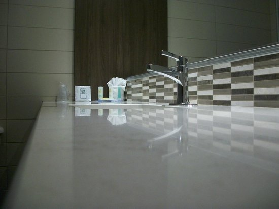 Quality Inn Rouyn-Noranda : salle de bain