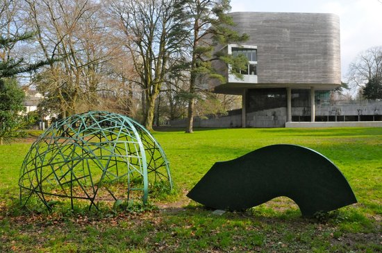 lewis glucksman gallery grounds - picture of lewis glucksman gallery  cork