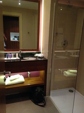 The Mere Golf Resort and Spa : bathroom