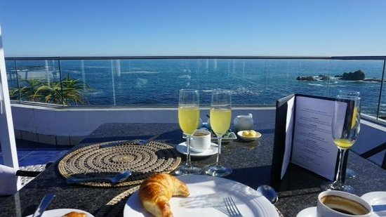 The Twelve Apostles Hotel and Spa: Balcony dining at Azure