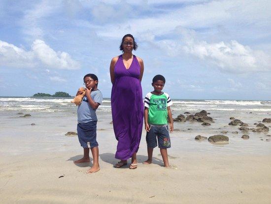 Dolphin Bay Resort: The beach