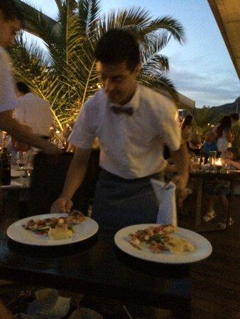 Stay Restaurant : waiter