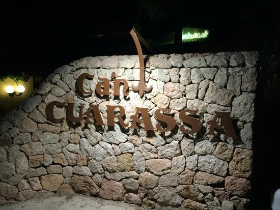 can CuarassA: welcome sign