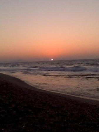 Club Marmara Rethymno Palace : couché de soleil plage de l'hotel