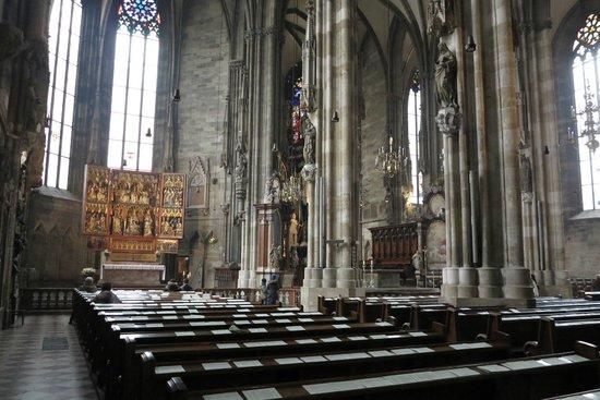 Stephansdom: Vista interna da catedral
