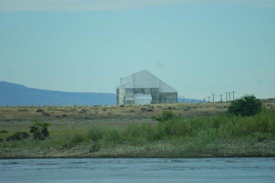 Columbia River Journeys: Deactivated reactor