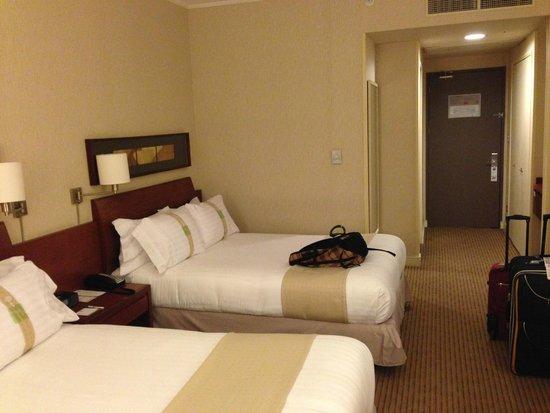 Holiday Inn Santiago Airport : Habitación