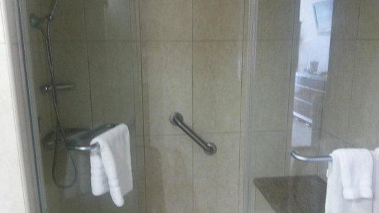 Breezes Resort & Spa Bahamas : Shower