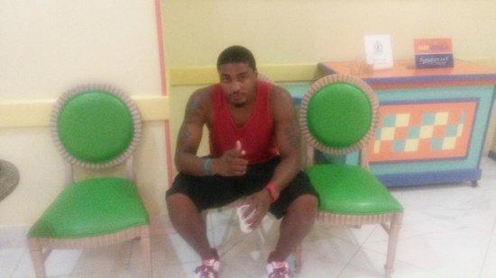 Breezes Resort & Spa Bahamas : Mr. Cool :-)