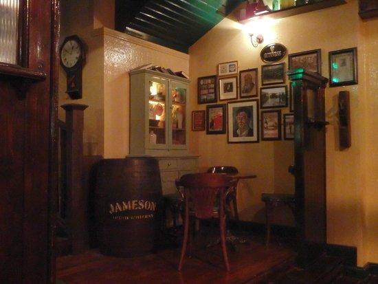 The Old Storehouse Bar & Restaurant : Inside on the lower level