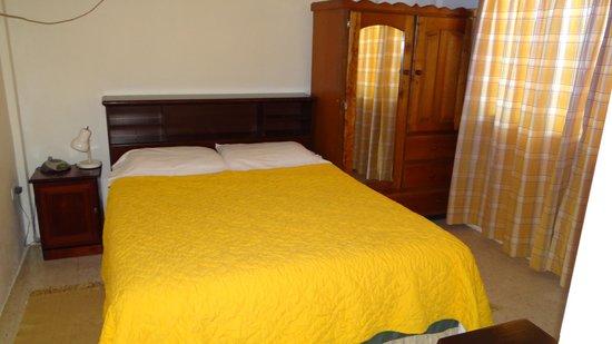Ana's Place: Habitacion con cama queen