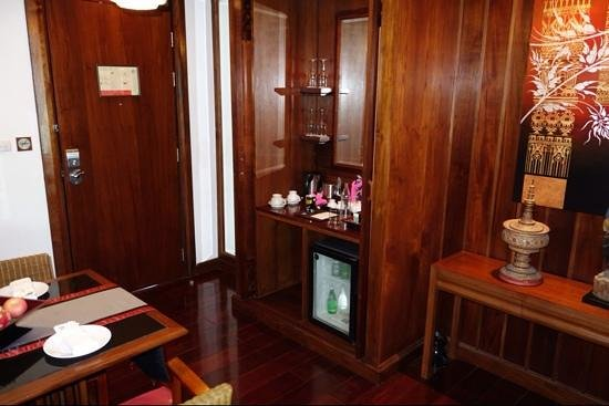 Ratilanna Riverside Spa Resort Chiang Mai: entree d'une chambre