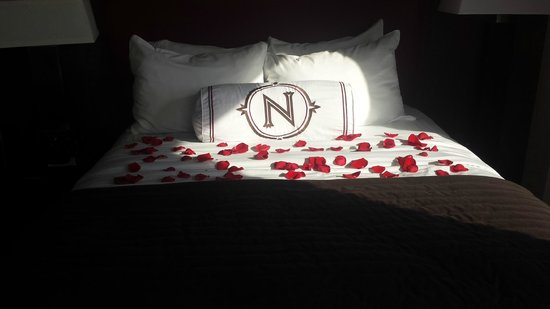 Northern Hotel : The rose turndown service!