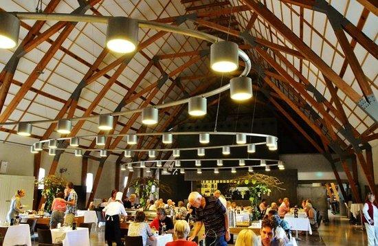 Hindsgavl Slot: Morgenmadsrestauranten med enormt udvalg