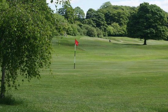 Pudsey, UK: Fulneck Golf Club 5th Green