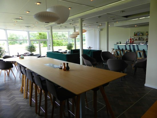 Comwell Koge Strand: Lounge med bar