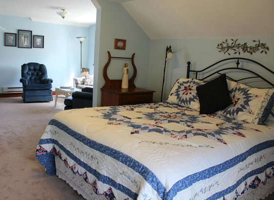 Hillcrest Hide-Away Bed and Breakfast: Harmony Suite