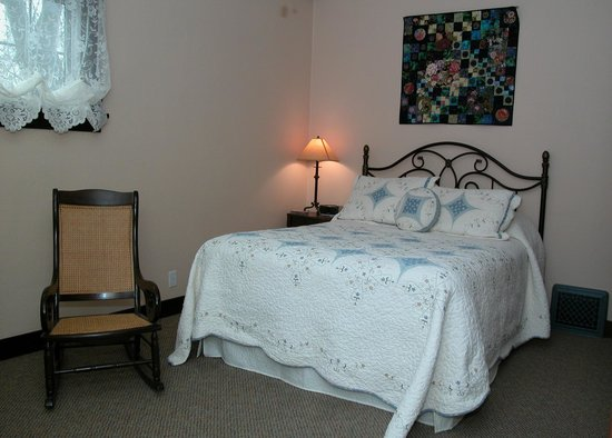 Hillcrest Hide-Away Bed and Breakfast: Joy Suite