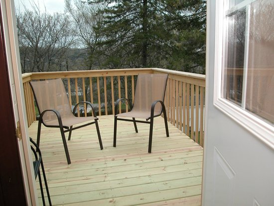 Hillcrest Hide-Away Bed and Breakfast: Joy Suite Private Deck