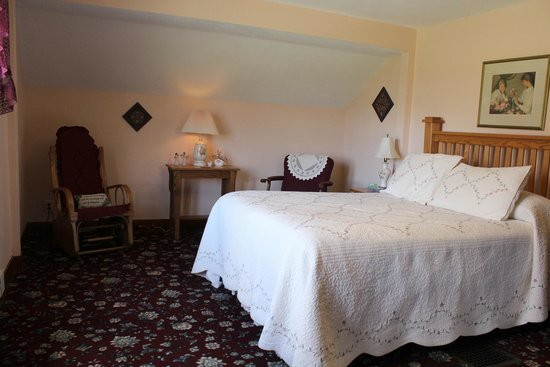 Hillcrest Hide-Away Bed and Breakfast: Peace Room