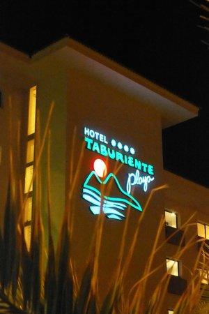 H10 Taburiente Playa: by night