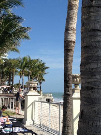 Vero Beach Hotel & Spa - A Kimpton Hotel: view from pool area