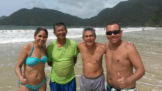 Maracas Bay : With our new friends: Kim and Ralph Young Hoi