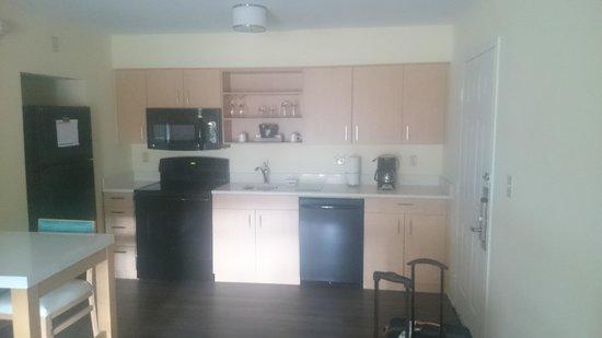 Sonesta ES Suites Flagstaff: Kitchen