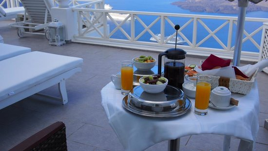 Avianto Suites: Our breakfast with this amazing view