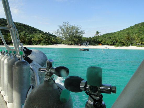 Sail Caribbean Divers : On the way to dive site