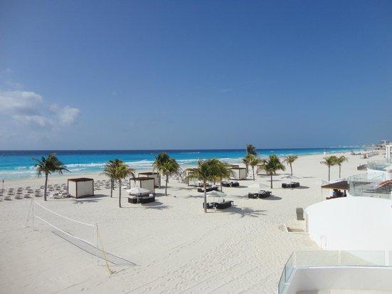 Le Blanc Spa Resort: Gorgeous Beach