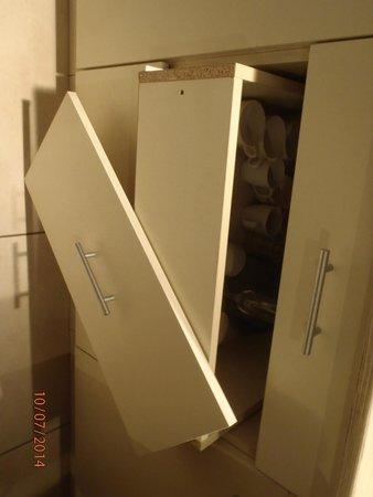 Vistula Apartments: szafka w kuchni