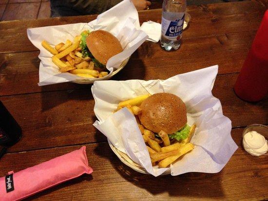 Holy Cow! Gourmet Burger Company - Plain Palais : バーガー2
